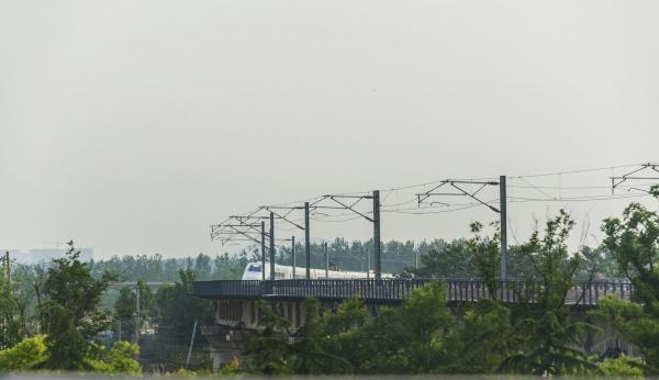 广西融安县长安三桥东桥及引道铁路工程正式开工