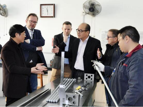 德国KAMINSKI集团公司前来我公司洽谈合作