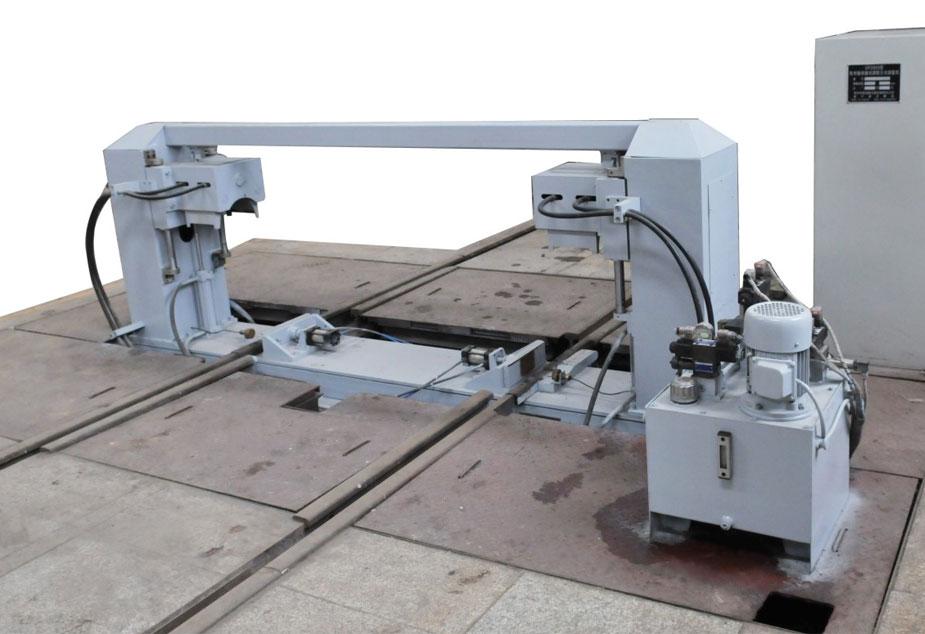 货车轮对轴承轴向游隙全自动测量机