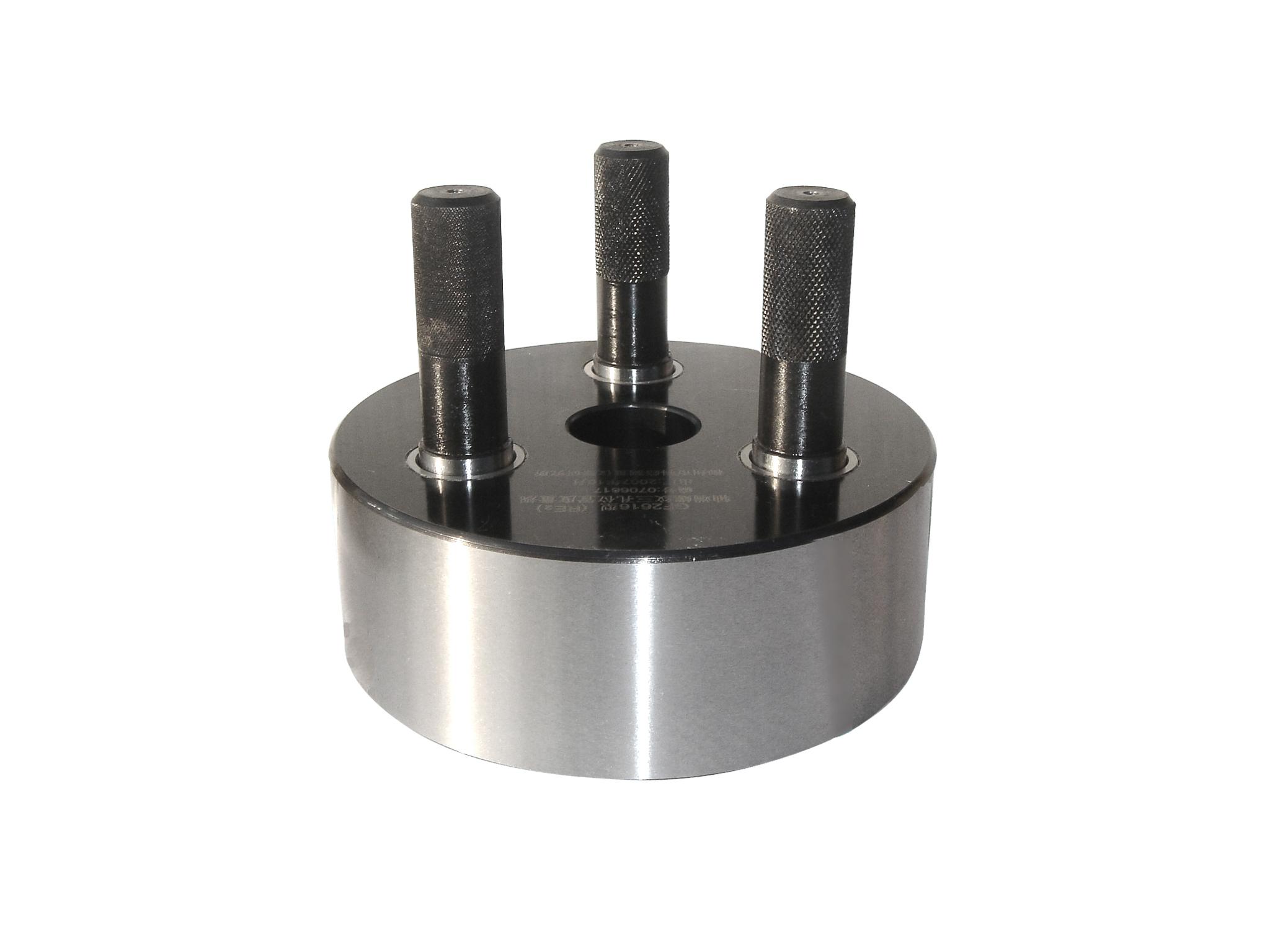 41.车轴轴端三螺孔位置度综合量规